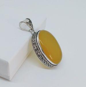 Yellow onyx pendant